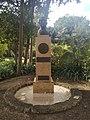 Estatua de Manuel de Falla.jpg