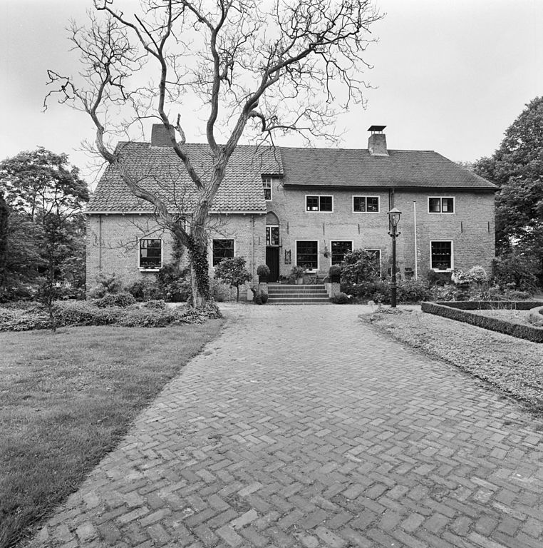 File exterieur overzicht voorgevel oostvoorne 20267661 wikimedia commons - Huis exterieur picture ...