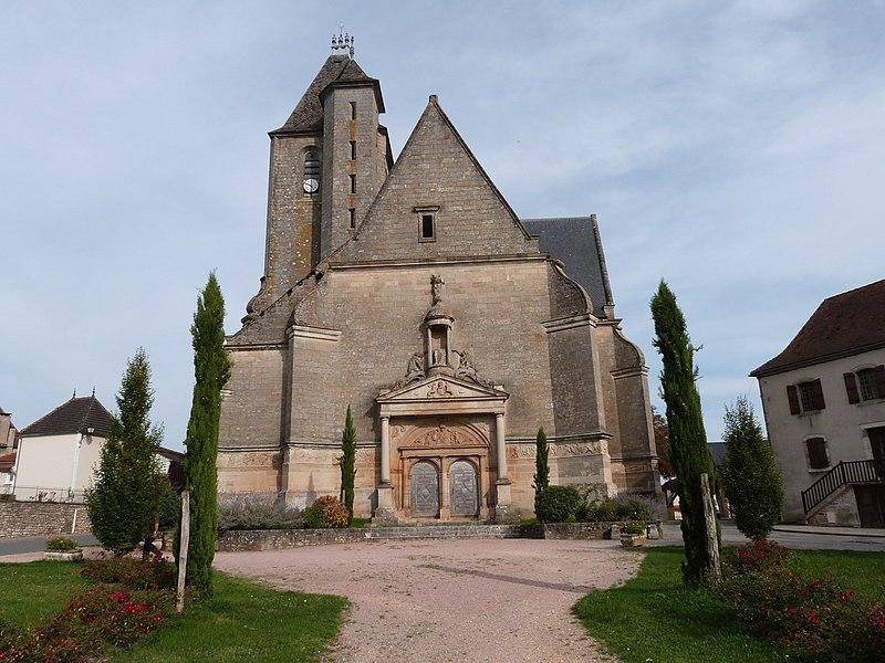 File:Façade occidentale de l'église Saint-Pierre d'Assier.JPG