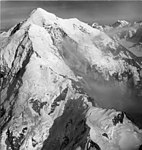 Fairweather Glacier, snow and ice covered peak, August 22, 1965 (GLACIERS 5444).jpg