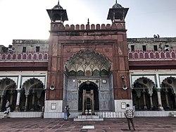 Fatehpuri Masjid in Delhi 19.jpg