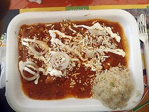 Salsa roja picante - Enchiladas with salsa roja picante