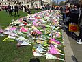Flowers for the Westminster Attack in Parliament Square, 27 March 2017 (32842193414).jpg