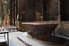 Fonts Baptismaux De La Cathedrale Saint Etienne Metz En Fait Une Ancienne Baignoire Romaine