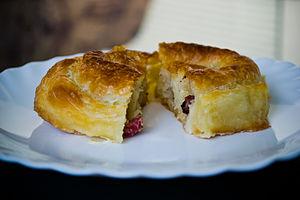 Kol böreği - Image: Food called 'Krompiruša'