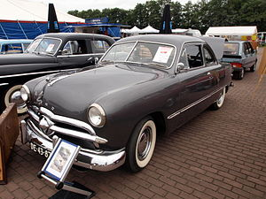 1949 Ford - Image: Ford Custom coupe (1949), Dutch licence registration DE 43 87 p 2