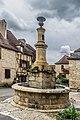 Fountaine aux dauphins Autoire.jpg