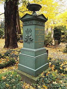 Devrients Grabstein (Quelle: Wikimedia)
