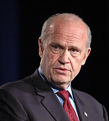 Fred Thompson onstage