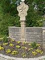 Friedhof Assamstadt mit Friedhofskapelle, Friedhofsmauer, Friedhofskreuz und sonstigen Kleindenkmalen 06.jpg