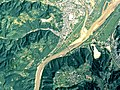 Fuji-river that begins to flow from the Kofu basin.JPG