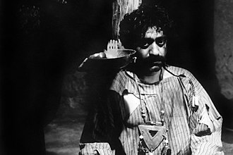 Cinema of Iran - Ezzatollah Entezami in The Cow (1969)