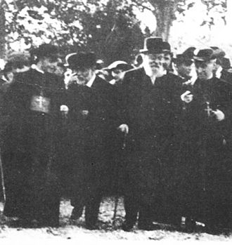 Antoni Gaudí - Gaudí and Eusebi Güell on a visit to the Colònia Güell (1910)
