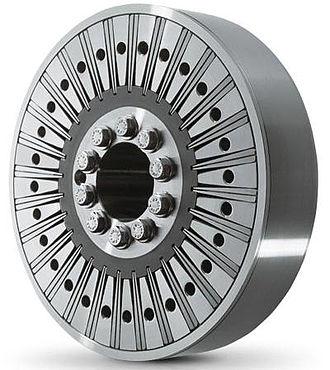 Geislinger coupling - The Geislinger Damper utilizes steel leaf springs and engine oil