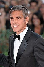 Photo of George Clooney at the premiere of the film The Men Who Stare at Goats in 2009.