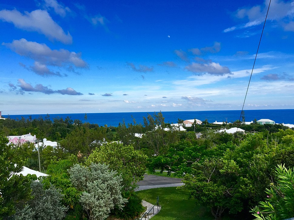 Gibb%27s Hill Lighthouse, Bermuda July 2015 - panoramio