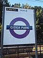 Gidea Park stn Crossrail roundel 2019 01.jpg