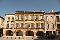Hôtel de ville à Bagnols-sur-Cèze.JPG