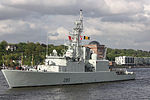 HMCS Iroquois (DDG 280) at Port of Hamburg near Oevelgönne.jpg