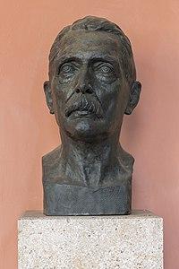 Hans von Arnim (Nr. 40) Bust in the Arkadenhof, University of Vienna-2134.jpg