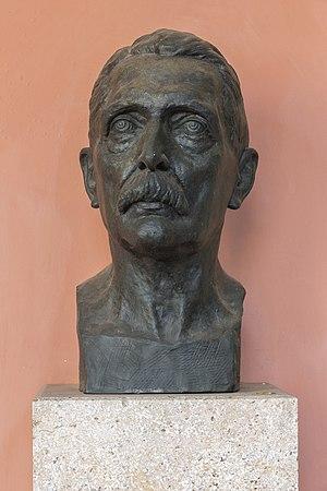 Hans von Arnim - Bust of Hans von Arnim in the Arkadenhof, University of Vienna.