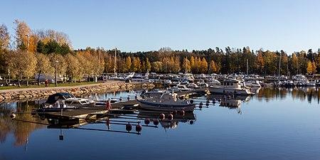 Haukilahti marina, Espoo (October 2018, crop).jpg