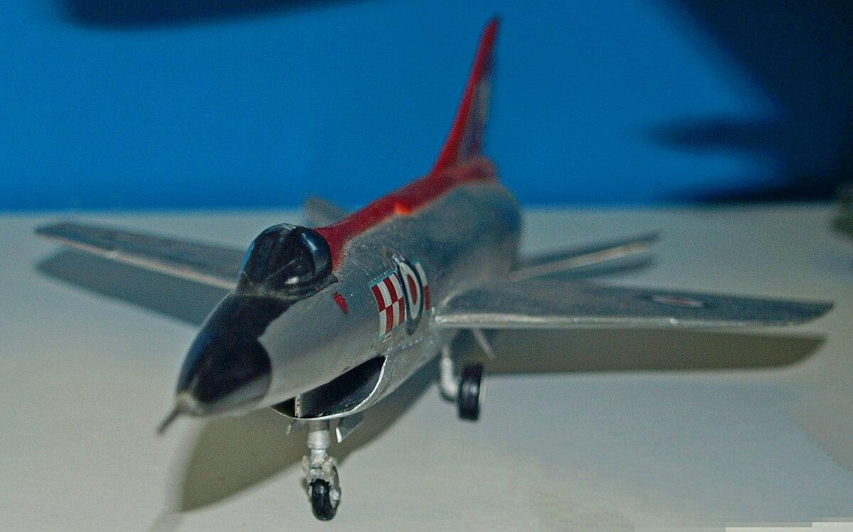 Hawker Hunter T.7 diecast 1100 fighter model