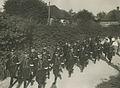 Het detachement van de Rijksveldwacht uit Leiden op de dagelijkse afstand van 50 – F40585 – KNBLO.jpg