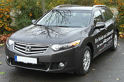 Honda Accord VIII Tourer (seit 2008) front-1 MJ.JPG