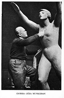 Hungary - Geza Csorbat during sculptures - Az Est Hármaskönyve 1938 Unknown photographer.jpg