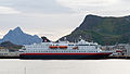 Hurtigruten ship in Svolvær (15412992922).jpg