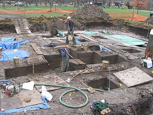 Coralville, Iowa - Excavations at the Late Archaic Edgewater Park Site; courtesy OSA.