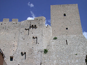 Duchy of Gaeta - The square tower of the Castle of Itri, attributed to Docibilis I.