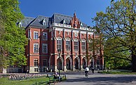 Jagiellonian University Collegium Novum, 1882 designed by Feliks Księżarski, 24 Gołębia street, Old Town, Krakow, Poland.jpg