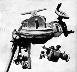Type 96 25 mm AT/AA Gun - The Le Prieur mechanical lead computing sight.