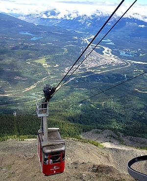 The Amazing Race Canada 4 - The first Roadblock of this leg of the race took place on the Jasper Skytram