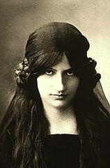 Jeanne Hebuterne-2.jpg