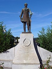 A statue of General Joseph E Johnston in Dalton.