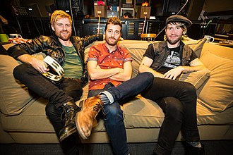 Jukebox the Ghost - (left to right) Tommy Siegel, Ben Thornewill, and Jesse Kristin of Jukebox The Ghost