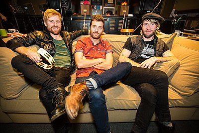 Picture of a band or musician: Jukebox The Ghost