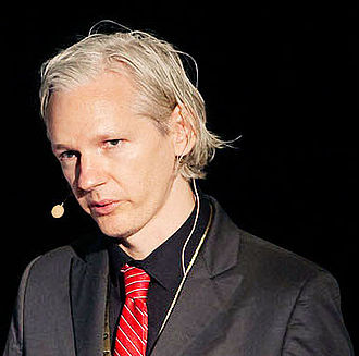 At Long Last Leave - Julian Assange, the founder of website WikiLeaks, appeared in the episode.