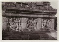 KITLV - 28605 - Kurkdjian - Soerabaja - Relief at the Borobudur temple - circa 1912.tif