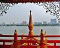Kaohsiung Lotus Pond Wuli-Pavillon Blick auf Kaohsiung 1.jpg