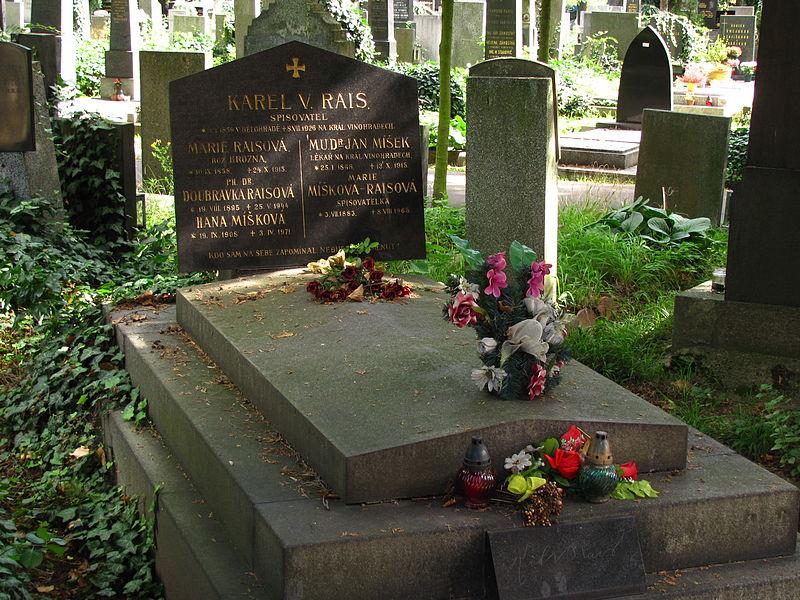 File:Karel V Rais hrob.jpg