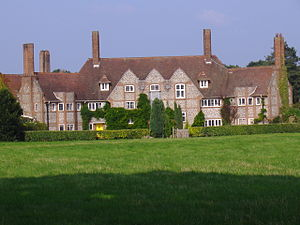 Edward Maufe - Maufe's first design: Kelling Hall, Norfolk