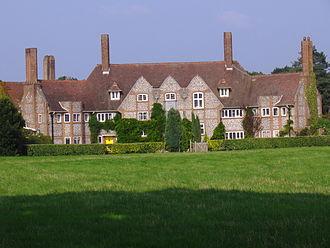 Edward Maufe - Maufe's first design: Kelling Hall, Norfolk