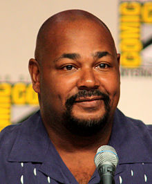Kevin Michael Richardson interprète Stan.