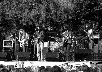 Kingfish (band) - Kingfish performing in El Camino Park, Palo Alto, California, on June 8, 1975. Left to right: Barry Flast, Robbie Hoddinott, Bob Weir, Dave Torbert, Chris Herold, Matthew Kelly.