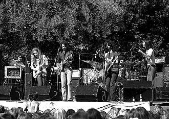 Kingfish (band) - Kingfish performing in El Camino Park, Palo Alto, California, on June 8, 1975. Left to right: Barry Flast, Robbie Hoddinott, Bob Weir, Dave Torbert, Chris Herold, Matthew Kelly.
