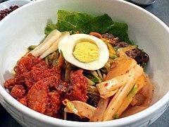 Korean.food-Hoe.naengmyeon-01.jpg